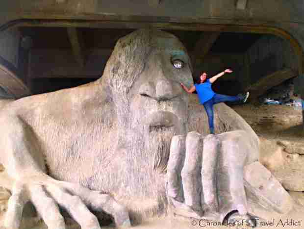 Having fun roadtrippin' in Seattle, visiting the Fremont Troll
