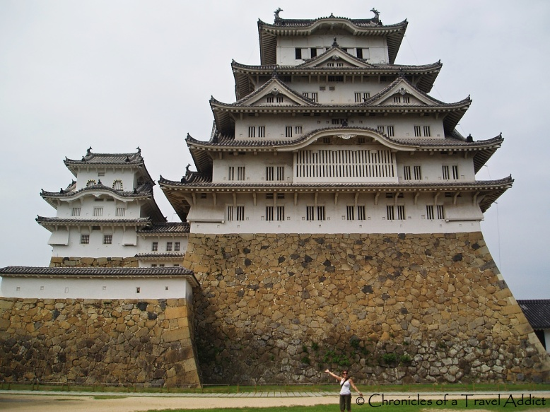 Posing in front of one of the most amazing structures I've ever laid eyes on: Himeji-Jo