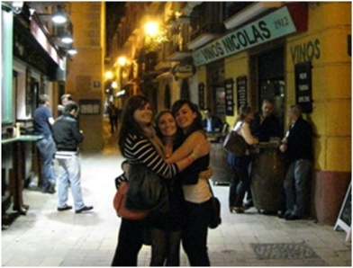My super awesome roommates, Rebecca from Seattle (middle) and Paula from Barcelona (right) on the streets of Zaragoza in the mid-night hours happy off life and vino tinto.