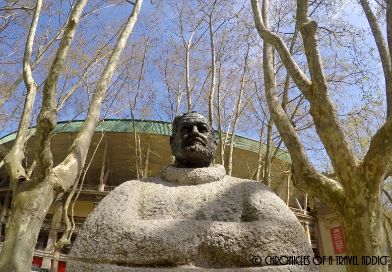 Eternal reverence of Ernest Hemingway in front of the Plaza de Toros