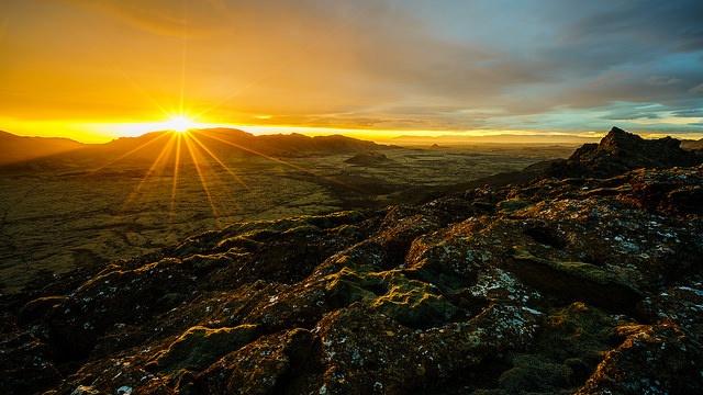 Midnight Sun by Hafsteinn Robertsson.jpg