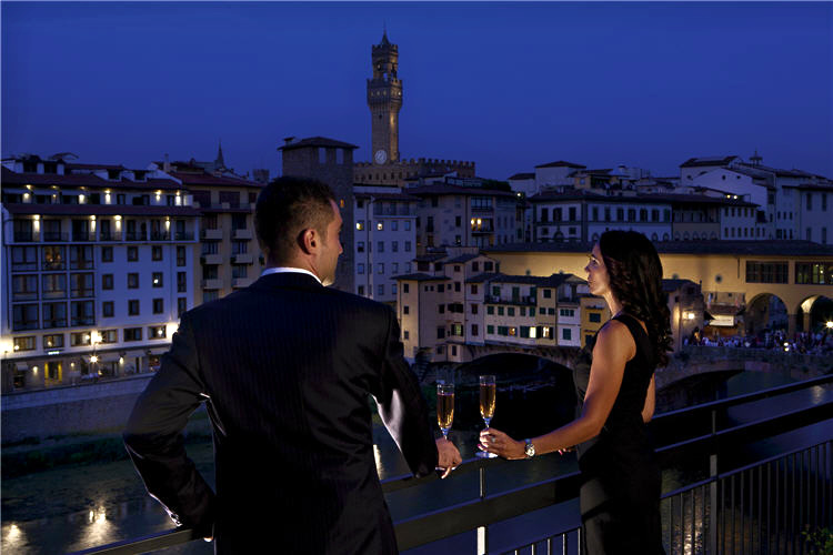 lungarno-collection_hotel-lungarno_romantic-view