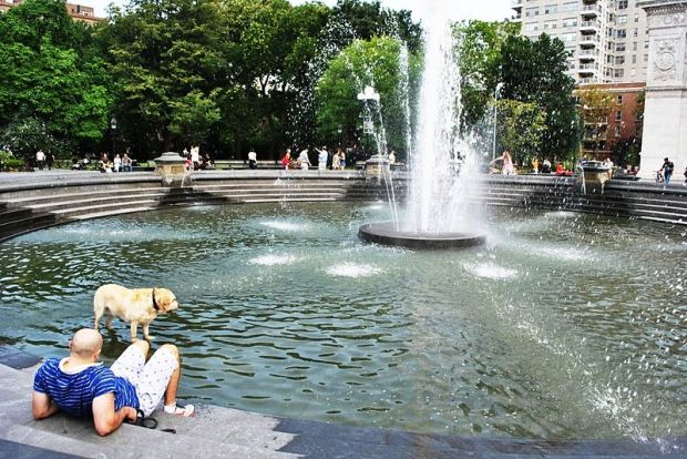 800px-Washington_Square_Park_(2)